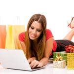 Mulher comprando online
